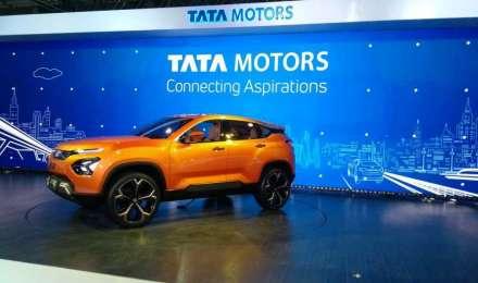 टाटा मोटर्स चालू वित्त वर्ष में करेगी 50 नए कॉमर्शियल वाहन पेश, 1900 करोड़ रुपए बचाने की है योजना