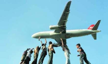 DGCA ने किया हाईकोर्ट में विमानन कंपनियों का बचाव, बहुत ज्यादा किराया नहीं वसूल रहीं एयरलाइंस