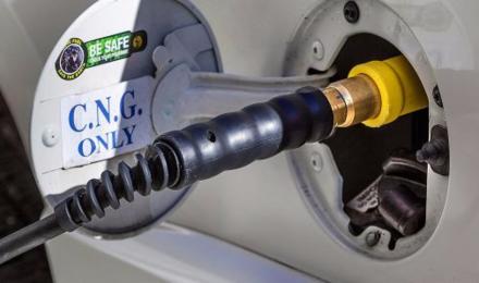 पेट्रोल-डीजल के बाद अब CNG की बारी, अक्टूबर से कीमतों में लग सकती है आग