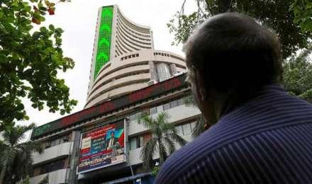 Sensex हुआ 464 अंक कमजोर, RIL और इंफोसिस जैसी बड़ी कंपनियों के शेयरों में आई गिरावट