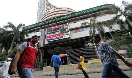 रुपए में सुधार से घरेलू शेयर बाजार में लौटी रौनक, सेंसेक्स 332 अंक चढ़कर 35,144 पर हुआ बंद