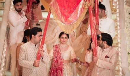 Isha Ambani-Anand Piramal Wedding: देखें शादी की कुछ अनेदेखी तस्वीरें, ये मेहमान हुए शामिल