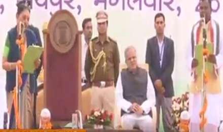 छत्तीसगढ़ मंत्रिमंडल विस्तार: 9 विधायकों ने ली मंत्री पद की शपथ, CM बघेल भी थे मौजूद