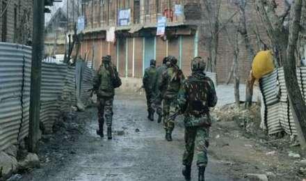 कश्मीर: आतंकियों ने पहले नाबालिक को ढाल बनाया और फिर मार दिया