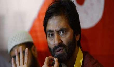 केंद्र सरकार ने यासीन मलिक के नेतृत्व वाले जम्मू-कश्मीर लिबरेशन फ्रंट पर प्रतिबंध लगाया