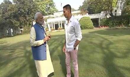 PM के इंटरव्यू पर कांग्रेस का तंज- लगता है मोदी अब फिल्म जगत का रुख करने वाले हैं