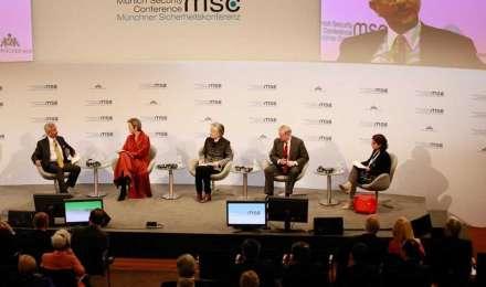 म्यूनिख कॉन्फ्रेंस: कश्मीर पर ज्ञान दे रहे थे अमेरिकी सीनेटर, जयशंकर ने कर दी बोलती बंद