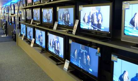 Coronavirus impact: मार्च से TV की कीमत में हो सकता है 10 प्रतिशत का इजाफा