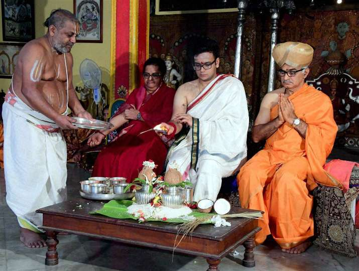 24 साल के यदुवीर कृष्णदत्त वडियार मैसूर राज परिवार के 27वें राजा हैं।