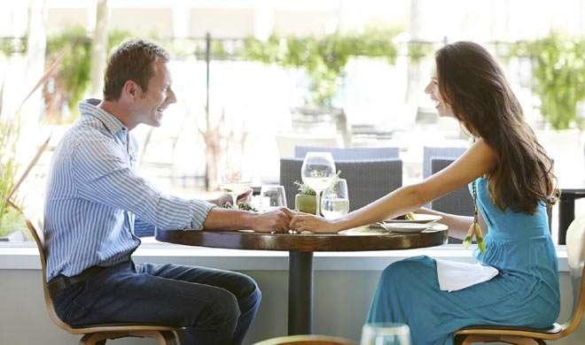 वेलेंटाइन डे: डेट पर जाते समय महिलाएं ध्यान रखें ये खास बातें