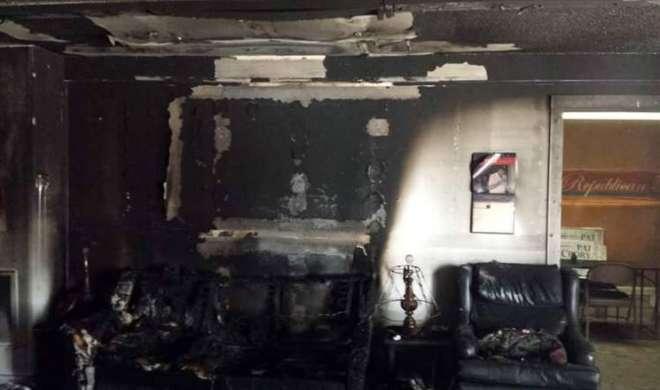 नॉर्थ कैरोलिना में रिपब्लिकन पार्टी के कार्यालय में बोतलबम फेंके गये - India TV