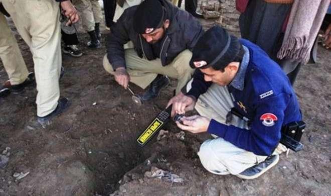 पाकिस्तान में इमामबाड़ा में ग्रेनेड हमले में एक लड़के की मौत - India TV