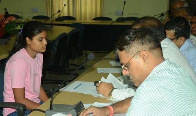 टॉपर घोटाले के बाद बिहार में 69 इंटर कॉलेजों की मान्यता रद्द