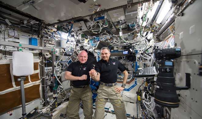 दो रूसी और एक अमेरिकी सोयुज में बैठकर अंतरराष्ट्रीय अंतरिक्ष केन्द्र रवाना