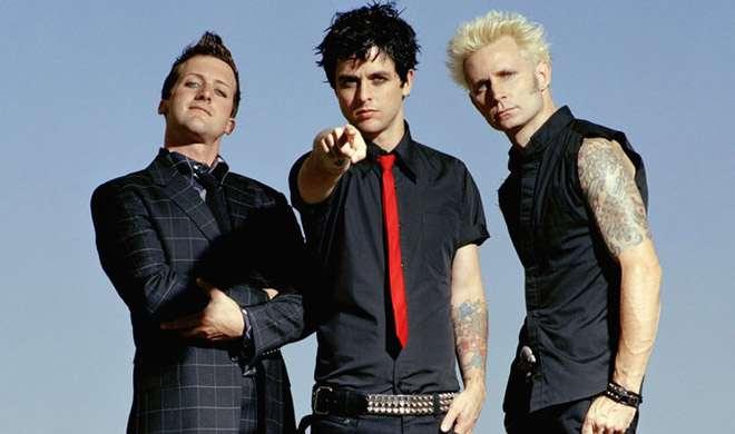 रॉक बैंड Green Day ने अमेरिकन म्यूजिक अवार्ड्स में लगाए ट्रंप विरोधी नारे - India TV