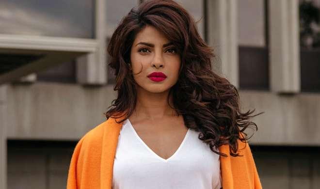 नोटबंदी के कारण आगे बढ़ी प्रियंका की इस फिल्म की रिलीज डेट - India TV