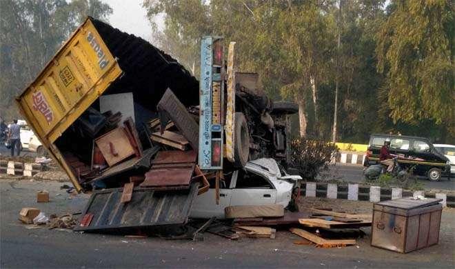 लापरवाही से वाहन चलाने वालों के खिलाफ कठोर सजा की जरूरत: अदालत - India TV