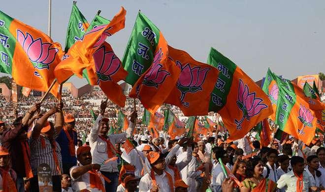 गुजरात: नोटबंदी के बीच निकाय-पंचायत चुनाव में खिला 'कमल', कांग्रेस का सफाया - India TV