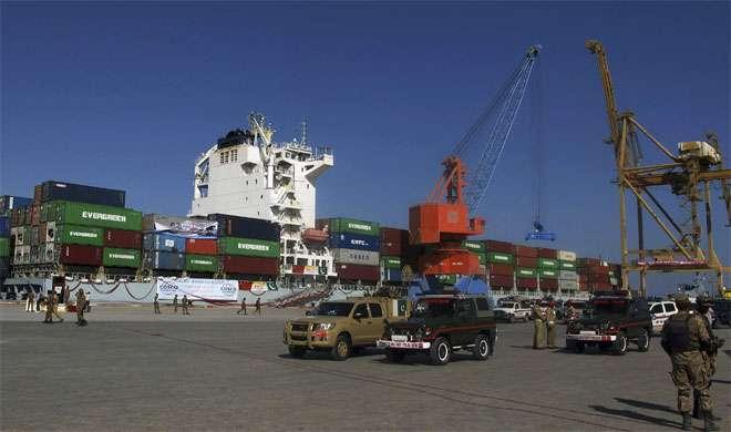 चीन CPEC का प्रयोग भारत से व्यापार बढ़ाने में करेगा: पाक सांसद - India TV