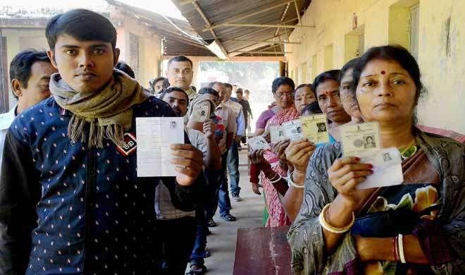 नोटबंदी के बीच त्रिपुरा में विधानसभा की 2 सीटों पर उपचुनाव के लिए भारी मतदान - India TV