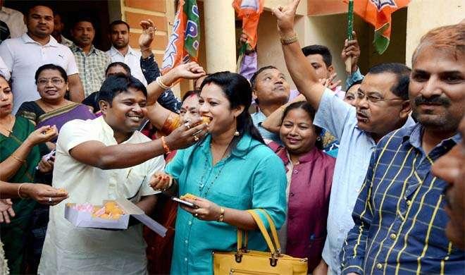 असम में बीजेपी, पश्चिम बंगाल में तृणमूल ने लहराया जीत का परचम - India TV