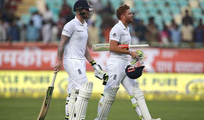 विशाखापत्तनम टेस्ट: भारतीय बोलर्स ने किया कमाल, इंग्लैंड बैकफुट पर