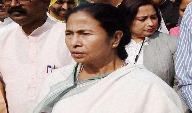 नोटबंदी के फैसले के खिलाफ संघर्ष तेज करेंगी ममता - India TV
