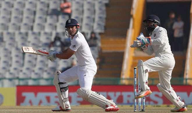 मोहाली टेस्ट: लंच से पहले पवेलियन लौटे इंग्लैंड के टॉप बल्लेबाज - India TV