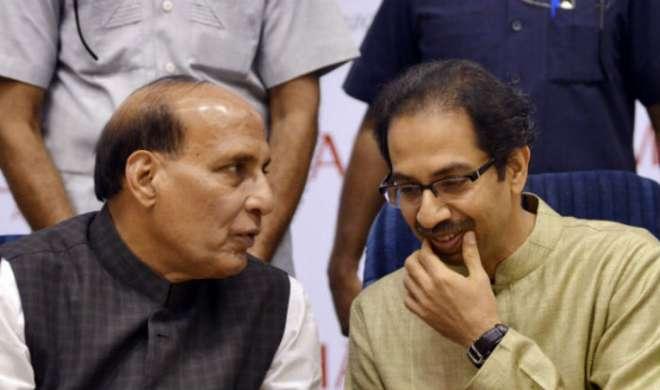 शिवसेना के विपक्ष से हाथ मिला लेने पर राजनाथ ने की उद्धव ठाकरे से बात - India TV