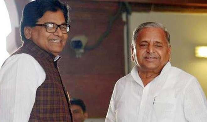 रामगोपाल की घर वापसी, मुलायम ने रद्द किया निष्कासन - India TV