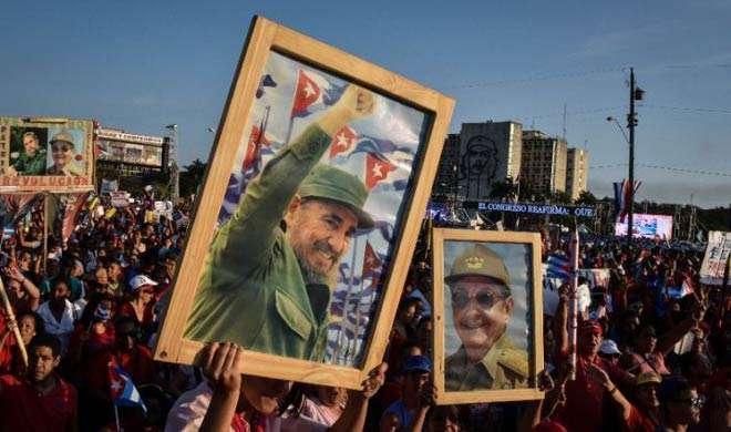 क्यूबावासियों ने फिदेल कास्त्रो की याद में निकाली रैली