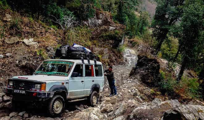 नेपाल: खड्डे में जीप गिरने से 7 की मौत, 16 अन्य घायल