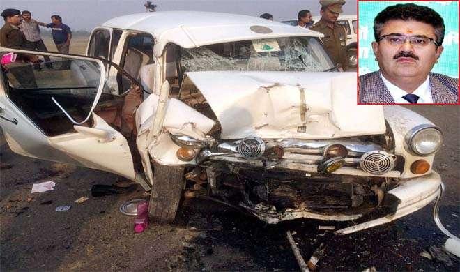 सड़क हादसे में UP के प्रमुख सूचना सचिव सहित 5 घायल