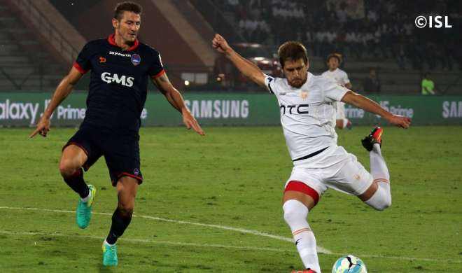 ISL: दिल्ली हारा, नार्थईस्ट सेमीफाइनल की दौड़ में बरकरार - India TV