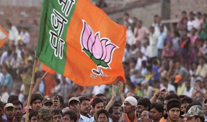 'सपा में घमासान से BJP को फायदा, उत्तरप्रदेश में 14 वर्षों का वनवास खत्म होगा' - India TV
