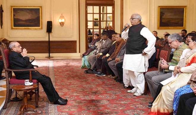 TMC सांसदों ने राष्ट्रपति से मुलाकात की, नोटबंदी को बताया 'सुपर आपातकाल' - India TV