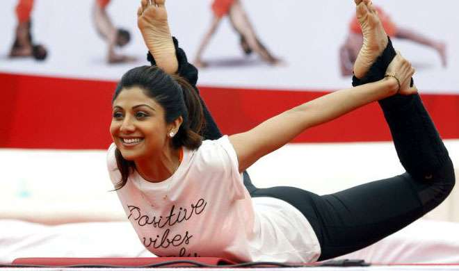 शिल्पा शेट्टी से जानें, कैसे बनाएं अपने पैरों को खूबसूरत