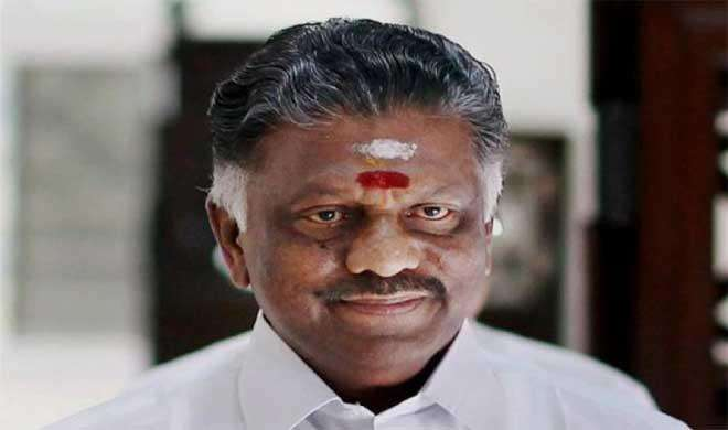 PM मोदी से मिले पन्नीरसेल्वम, तमिलनाडु के राजनीतिक हालात पर चर्चा - India TV