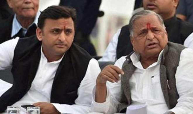 उत्तर प्रदेश: अखिलेश यादव की इफ्तार पार्टी में नहीं शामिल हुए मुलायम - India TV