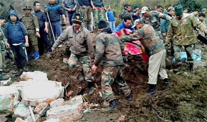 अरुणाचल: सेना ने भूस्खलन स्थल से 70 महिलाओं और 50 बच्चों समेत 200 को बचाया