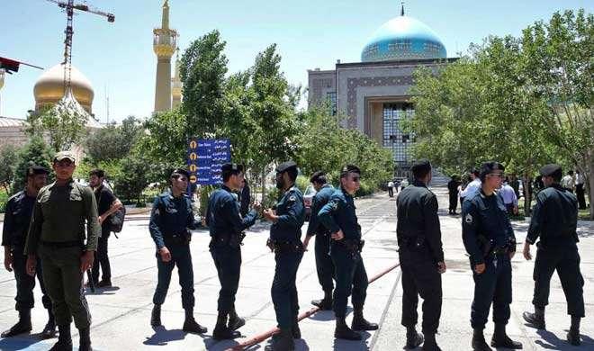 ईरान ने लिया संसद और मकबरे में हुए आतंकी हमले का बदला, दी चेतावनी
