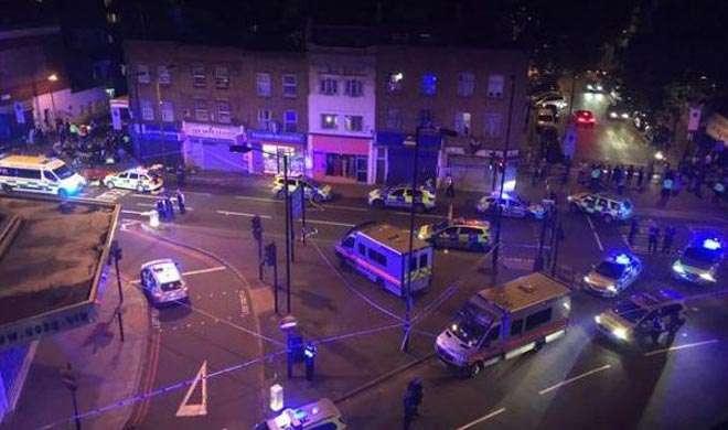 लंदन: मस्जिद से लौट रहे लोगों को तेज रफ्तार वैन ने कुचला, 1 की मौत, 8 घायल - India TV