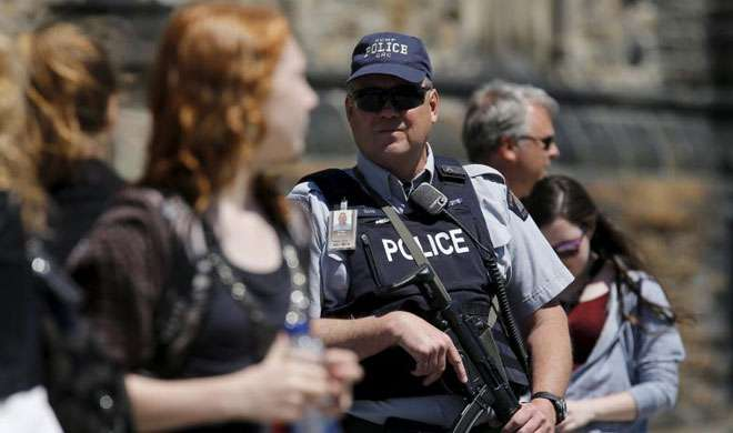 ISIS में शामिल होने जा रहा कनाडाई व्यक्ति गिरफ्तार - India TV