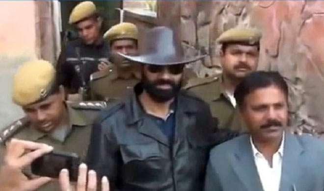कौन था गैंगस्टर आनंदपाल सिंह जिसकी मौत ने राजपूत समाज में मचा रखा है बवाल?