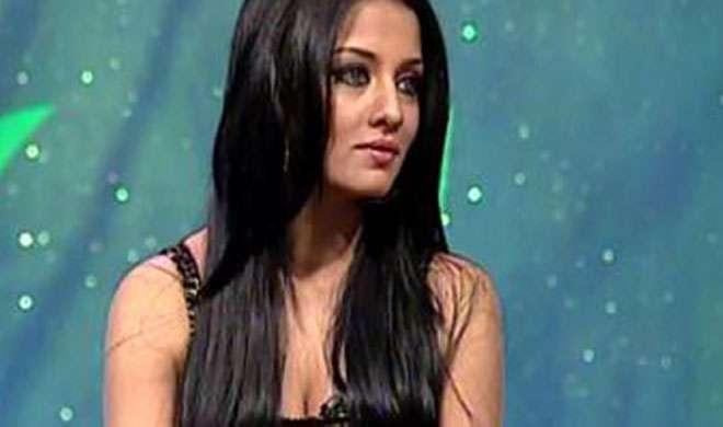 एक्ट्रेस सेलिना जेटली के पिता का निधन, प्रेग्नेंट हालत में भी दुबई से पहुंची इंदौर - India TV