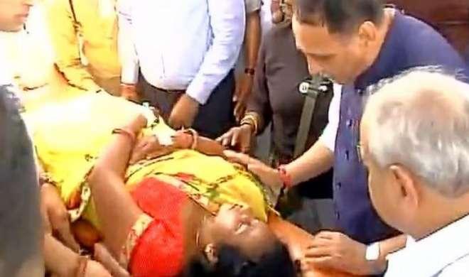 अमरनाथ हमला: गुजरात का मृतकों के परिजनों को 10-10 लाख देने का ऐलान