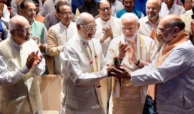 राष्ट्रपति चुनाव कल, आंकड़ों में NDA के उम्मीदवार रामनाथ कोविंद का पलड़ा भारी - India TV