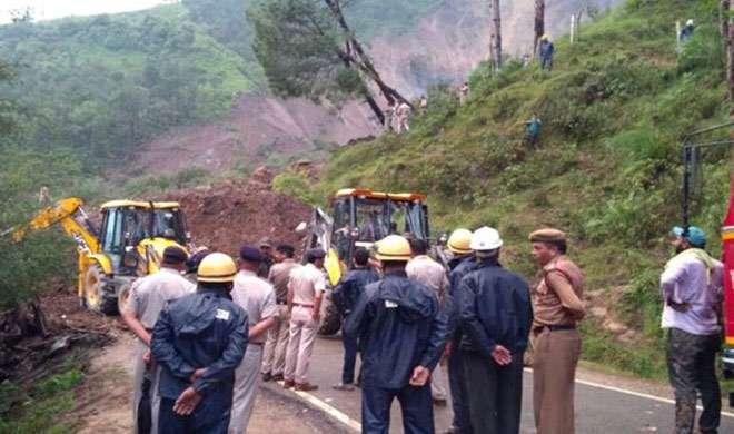 हिमाचल प्रदेश: मंडी में भूस्खलन से पूरा कस्बा जमींदोज, 60 लोगों के मरने की आशंका