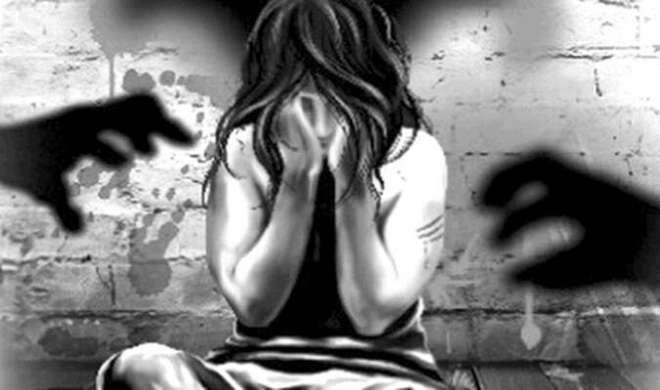 बेटा पिछले 2 सालों से 70 वर्षीय मां का कर रहा था बलात्कार