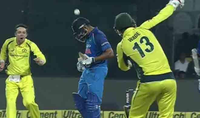 VIDEO: जब मैथ्यू वेड ने मारी रोहित शर्मा के सिर पर गेंद, गंभीर रूप से घायल होने से बचे